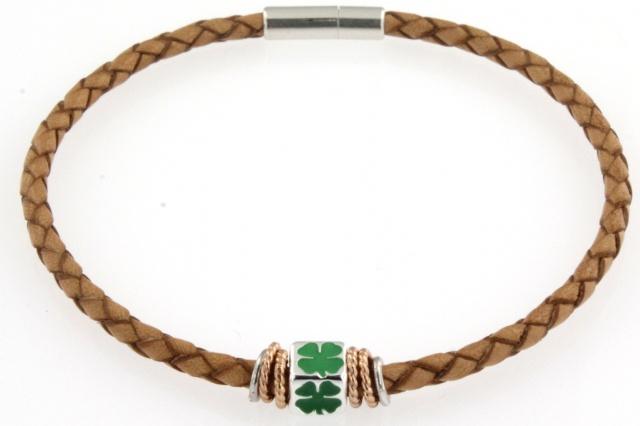 Bracciale in cuoio con simbolo smaltato (quadrifoglio portafortuna)
